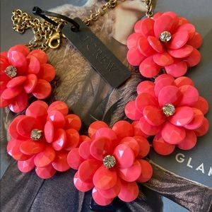 ❤️NWT JCREW Coral Pink ToneFloral Necklace
